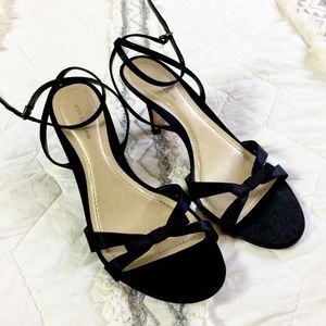 Ann Taylor Black Strappy Bow Heels Ankle Strap 8.5